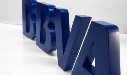 Letras corpóreas de aluminio lacadas en color corporativo by Aplikados